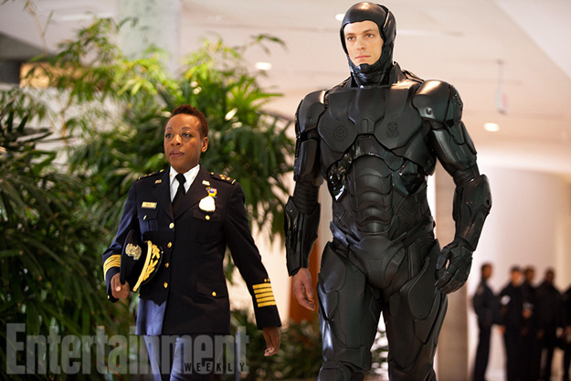 New International Poster and Photo for RoboCop