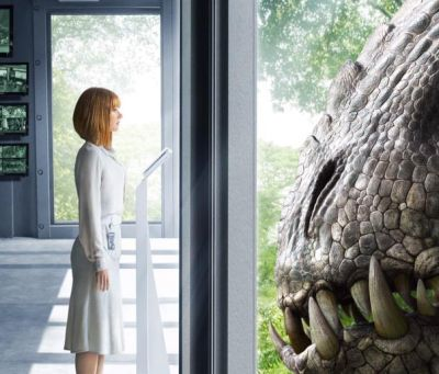 Bryce Dallas Howard Faces The Indominus Rex In New Jurassic World Poster Superherohype