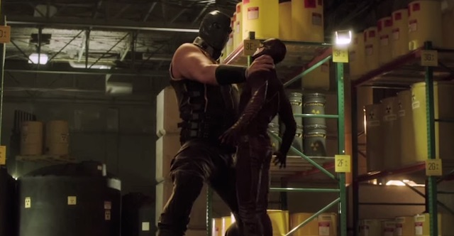 Be sure to watch a new The Flash VFX featurette for a tease of Atom Smasher's visit to Central City in the second season of The CW's hit DC Comics series.