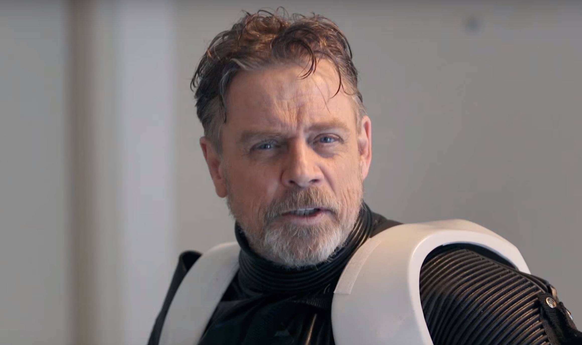 In a new video aimed to support The Force Awakens' Omaze campaign, Mark Hamill disguised himself as a stormtrooper & interacted with fans in Hollywood!