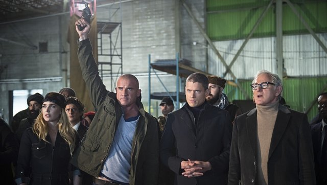 DC's Legends of Tomorrow Episode 2 Recap and a Preview for Next Week.