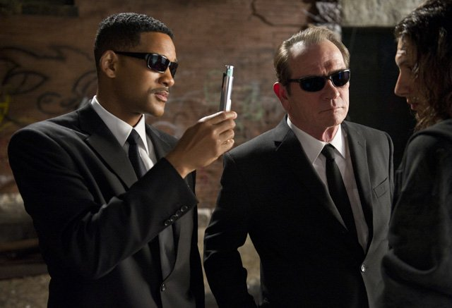 Men in Black Spin-Off Gets Writers, Release Date!