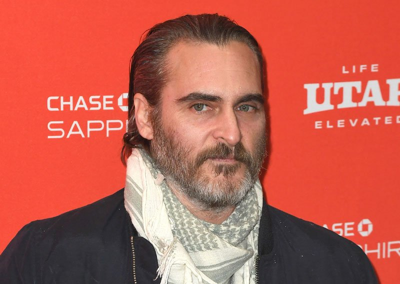 Joaquin Phoenix in Talks to Play The Joker for Solo Movie!