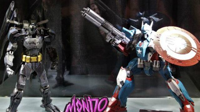 Comic-Con: Mondo Toys' Superhero Mechs, He-Man and More