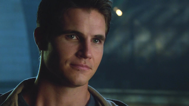 Robbie Amell, 30