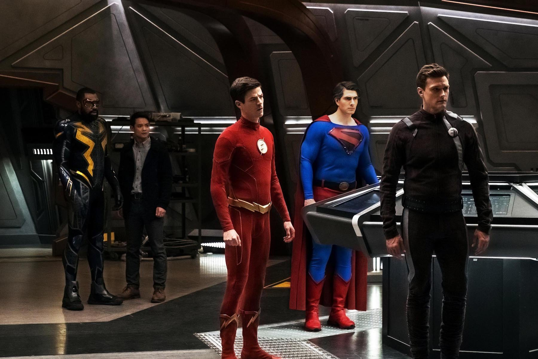 Cress Williams as Black Lightning, Osric Chau as Ryan Choi, Grant Gustin as Barry Allen/The Flash, Brandon Routh as Superman and Hartley Sawyer as Dibney/Elongated Man
