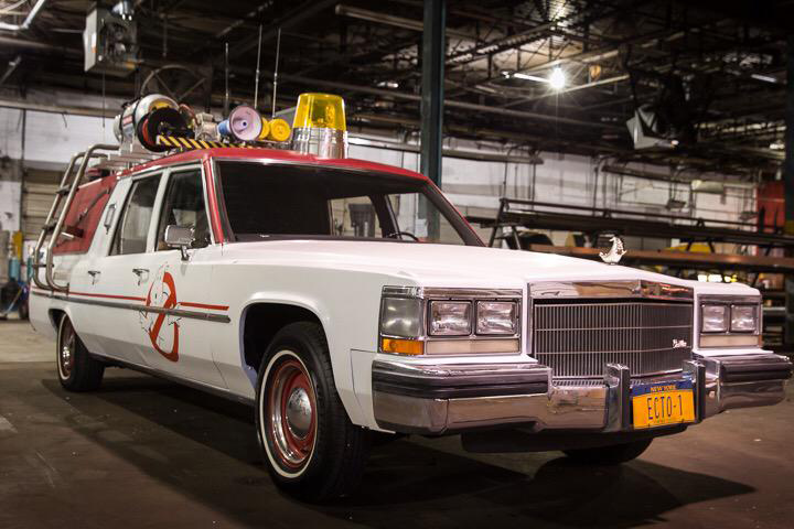 Ghostbusters (2016) Ecto-1
