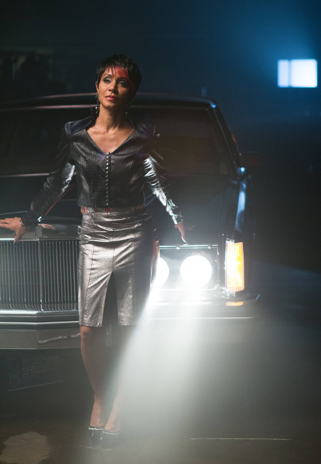 """GOTHAM: Fish Mooney (Jada Pinkett Smith) tests a potential business associate in the """"Arkham"""" episode of GOTHAM airing Monday, Oct. 13 (8:00-9:00 PM ET/PT) on FOX. ©2014 Fox Broadcasting Co. Cr: Jessica Miglio/FOX"""