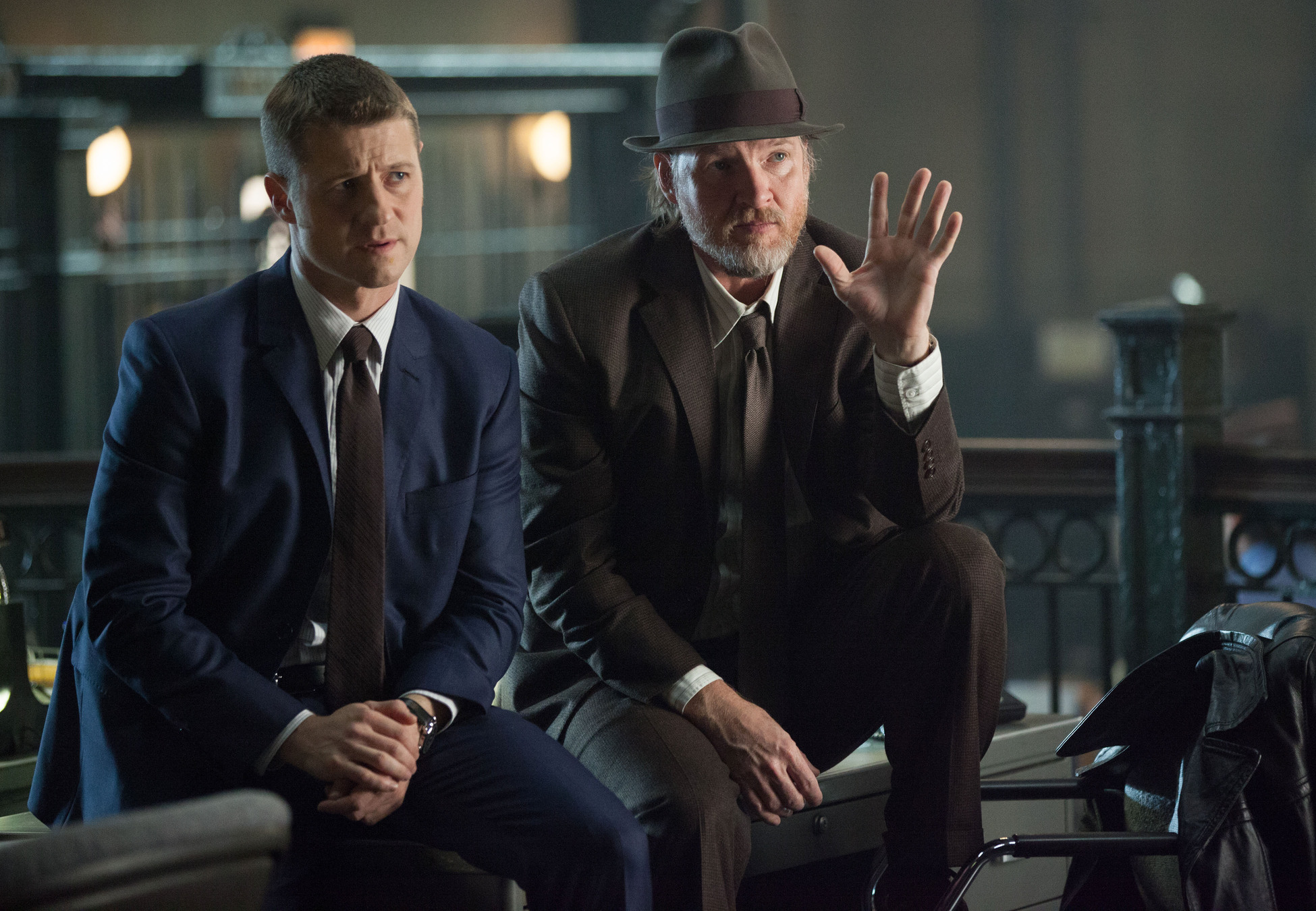 """GOTHAM: Detecitves James Gordon (Ben McKenzie, L) and Harvey Bullock (Donal Logue, R) learn information about a case in the """"Harvey Dent"""" episode of GOTHAM airing Monday, Nov. 17 (8:00-9:00 PM ET/PT) on FOX. ©2014 Fox Broadcasting Co. Cr: Jessica Miglio/FOX"""