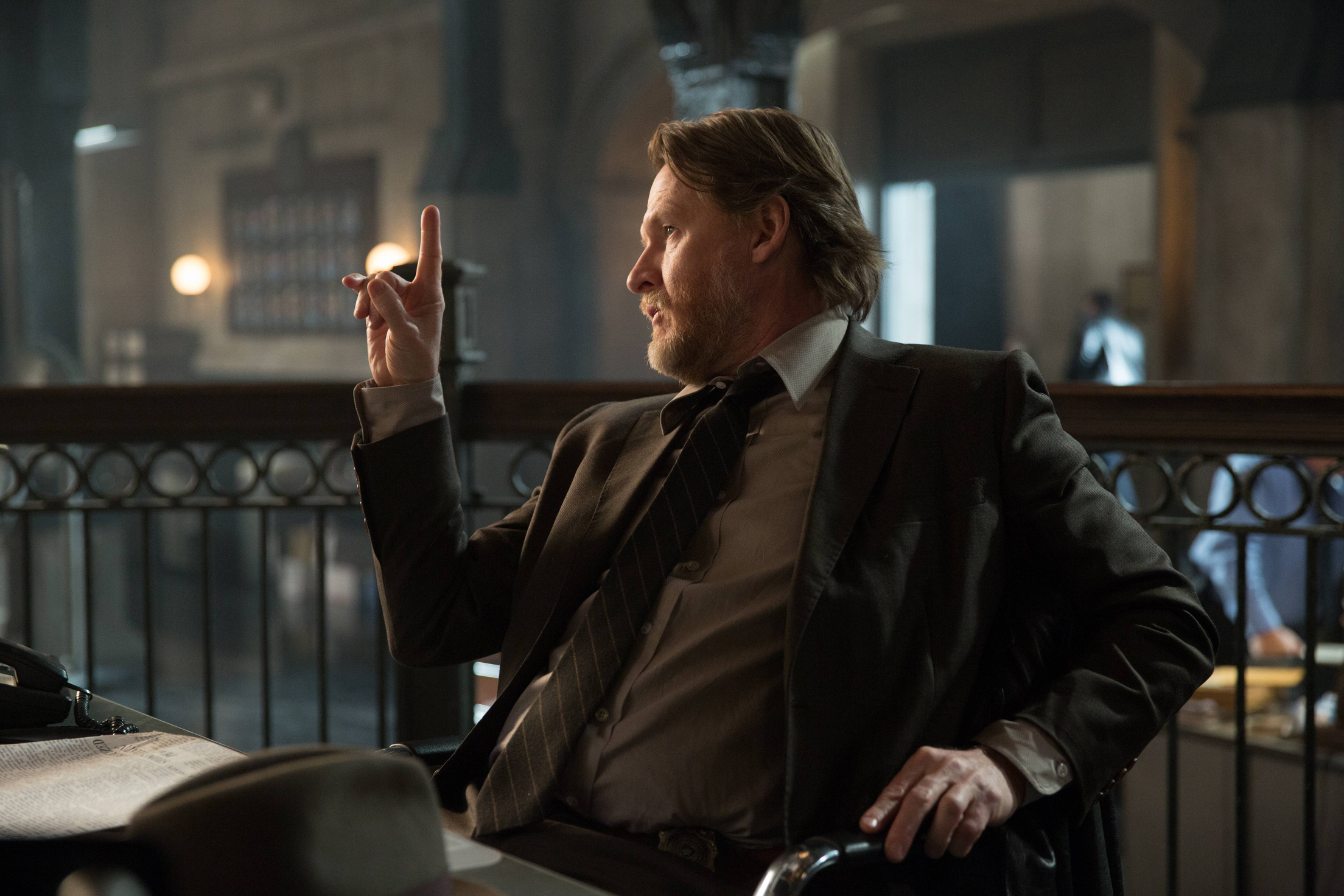 """GOTHAM: Donal Logue (Bullock) appears in the """"Beasts of Prey"""" episode of GOTHAM airing Monday, April 13 (8:00-9:00 PM ET/PT) on FOX. ©2015 Fox Broadcasting Co. Cr: Jessica Miglio/FOX"""