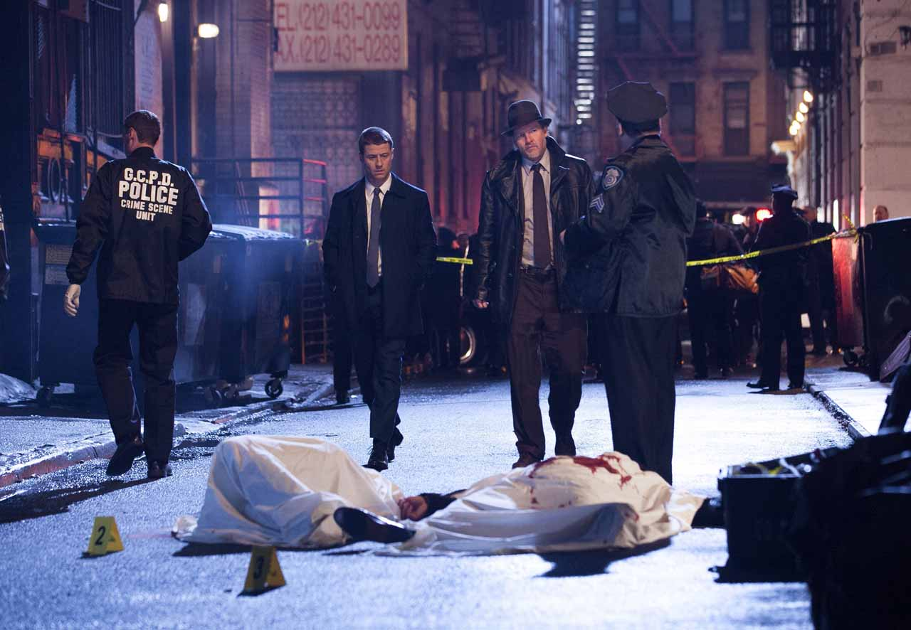 """GOTHAM: GOTHAM traces the rise of the great DC Comics Super-Villains and vigilantes, revealing an entirely new chapter that has never been told. From executive producer/writer Bruno Heller (""""The Mentalist,"""" """"Rome"""") and starring Ben McKenzie (""""Southland,"""" """"The O.C.""""), Jada Pinkett Smith (""""Hawthorne,"""" """"Collateral"""") and Donal Logue (""""Vikings,"""" """"Sons of Anarchy""""), GOTHAM follows one cop, destined for greatness, as he navigates a dangerously corrupt city teetering on the edge of evil, and chronicles the birth of one of the most popular super heroes of our time. GOTHAM will air Mondays (8:00-9:00 PM ET/PT) this fall on FOX. Pictured: (L-R) Ben McKenzie and Donal Logue. ©2014 Fox Broadcasting Co. Cr: Jessica Miglio/FOX"""