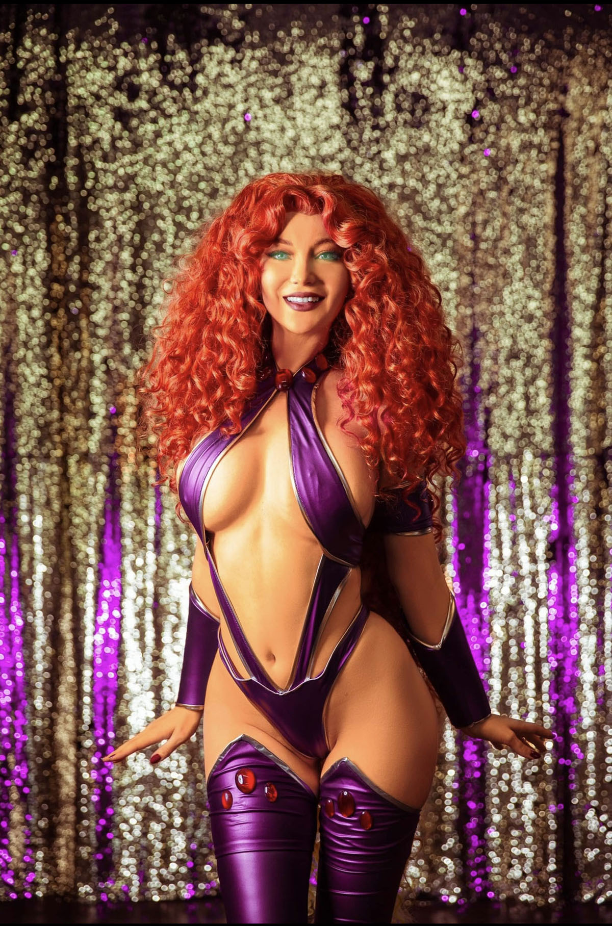 Starfire from DC Comics - photo by Happy Trigger