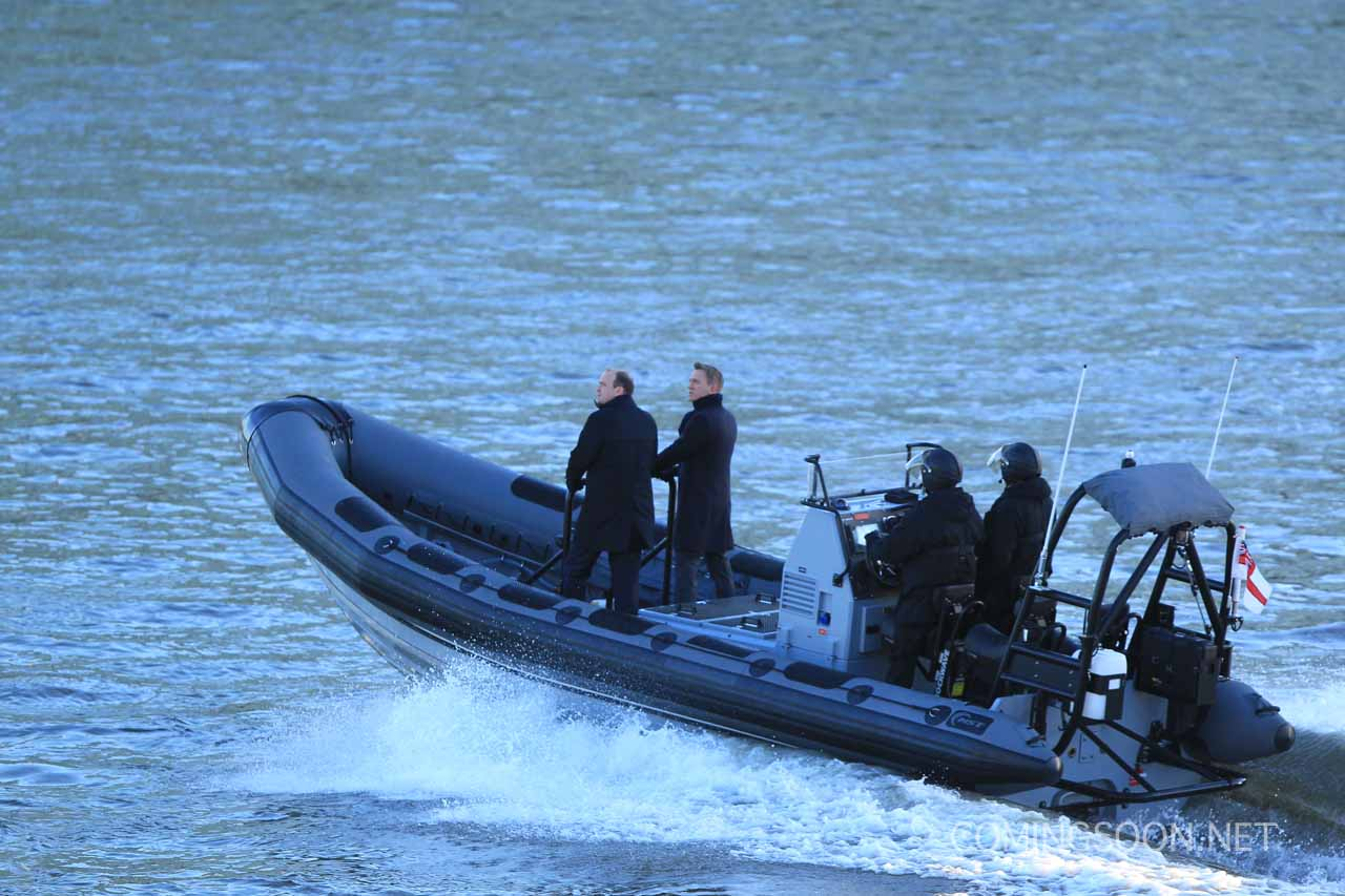 Daniel Craig and Rory Kinnear on the first day of filming for upcoming James Bond movie 'Spectre' Featuring: Daniel Craig, Rory Kinnear Where: London, United Kingdom When: 15 Dec 2014 Credit: WENN.com