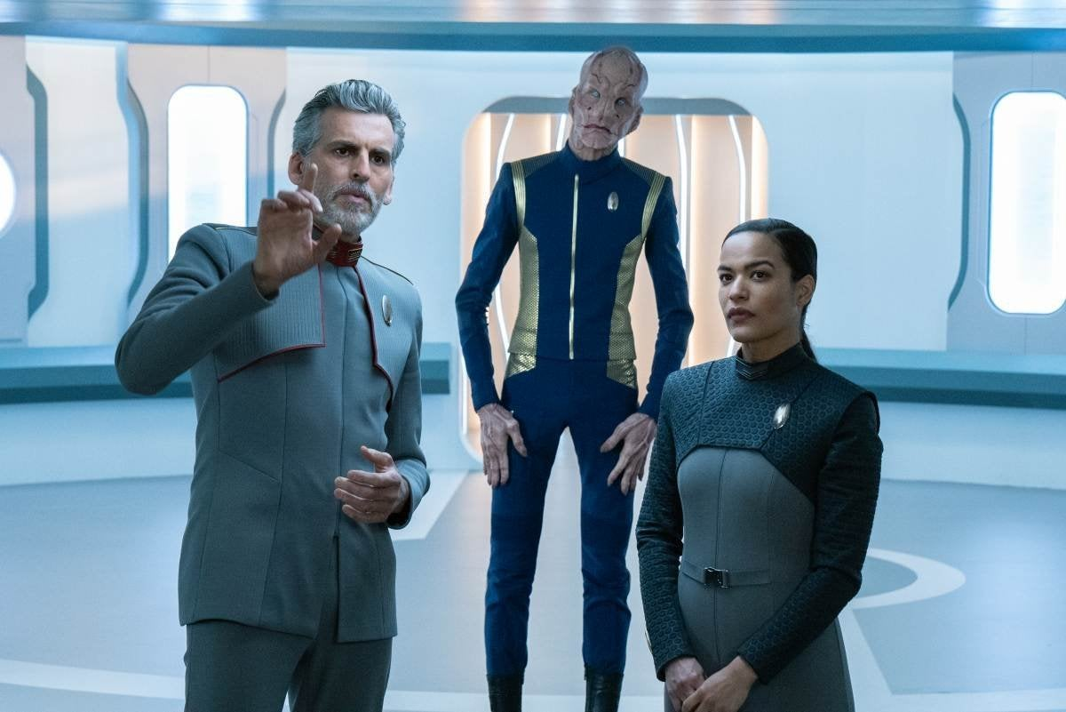 Oded Fehr as Admiral Vance, Doug Jones as Saru and Vanessa Jackson as Lt. Willa