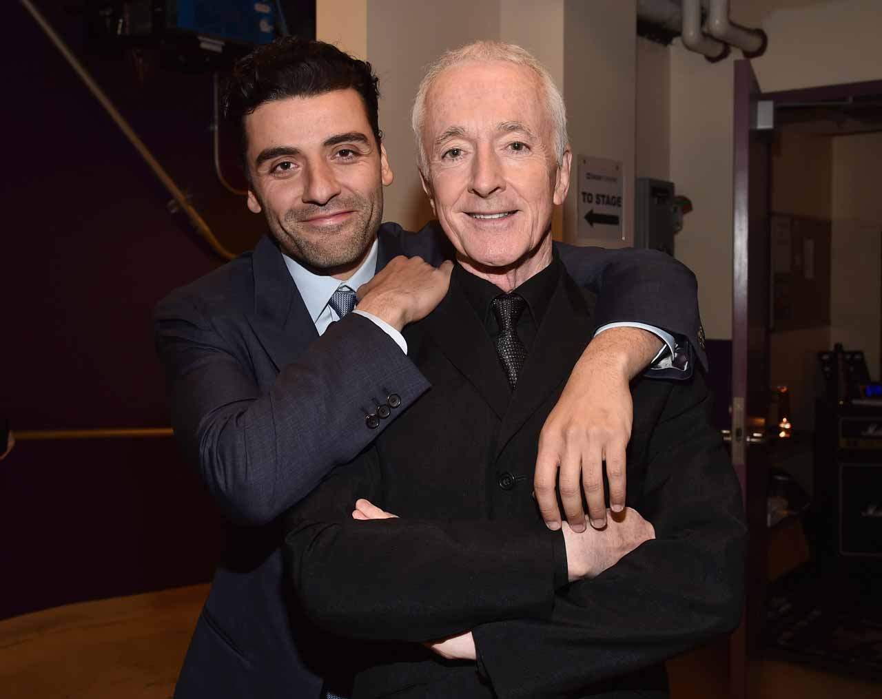 HOLLYWOOD, CA - DECEMBER 14: Actors Oscar Isaac (L) and Anthony Daniels attend the World Premiere of ?Star Wars: The Force Awakens? at the Dolby, El Capitan, and TCL Theatres on December 14, 2015 in Hollywood, California. (Photo by Alberto E. Rodriguez/Getty Images for Disney) *** Local Caption *** Oscar Isaac;Anthony Daniels