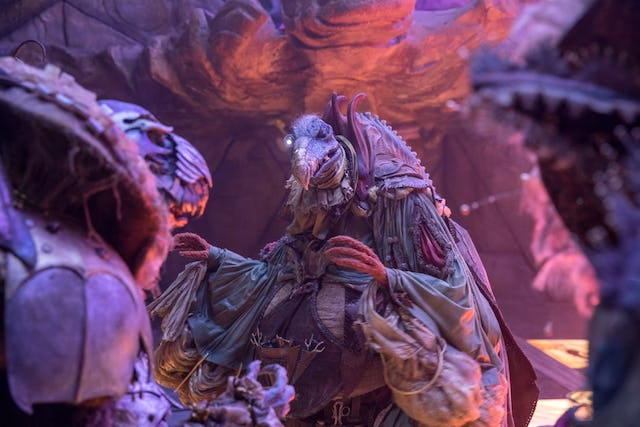 A look at a couple of the Skeksis. (Netflix)