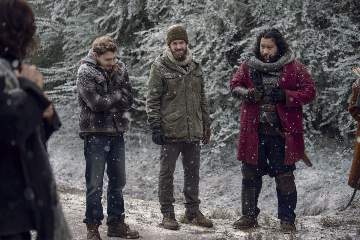 Callan McAuliffe as Alden, Ross Marquand as Aaron, Cooper Andrews as Jerry- The Walking Dead _ Season 9, Episode 16 - Photo Credit: Gene Page/AMC